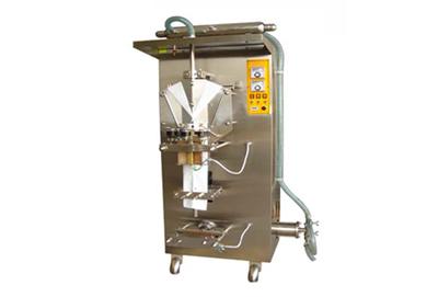 液体包装机 大连胜龙自动包装机 牛奶自动包装机